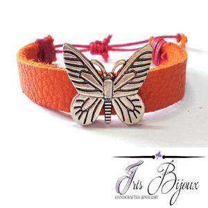Bratara reglabila din piele naturala de culoare portocalie accesorizata cu fluture metalic. Bratara reglabila din piele naturala Orange Butterfly este o bratara clasica si eleganta confectionata manual.